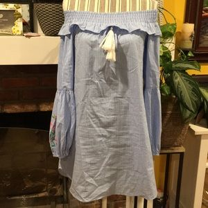 Dresses & Skirts - BEAUTIFUL OFF SHOULDER SPRING DRESS
